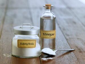 White-Vinegar-300x225-1