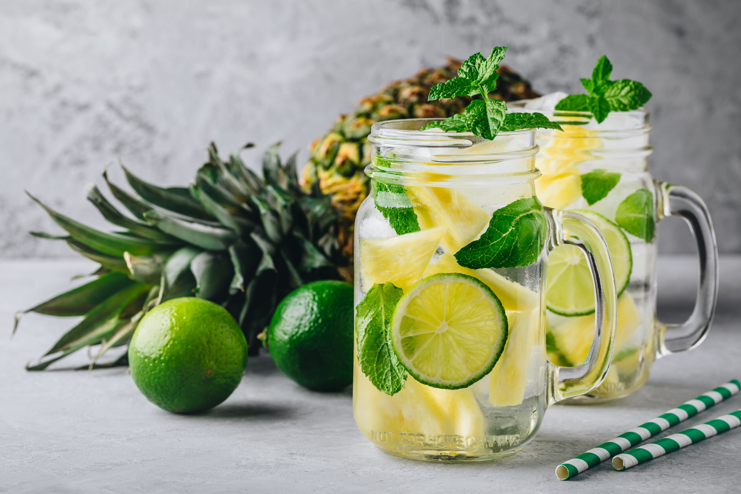 Infused,Detox,Water,With,Pineapple,,Lime,And,Mint.,Ice,Cold